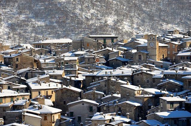 e837b70d2ef1093ecd0b470de7444e90fe76e6d21bb1174695f9c8_640_mountain-snow-italy